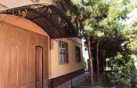 Двухэтажный дом с подвалом недалеко от Кадышева