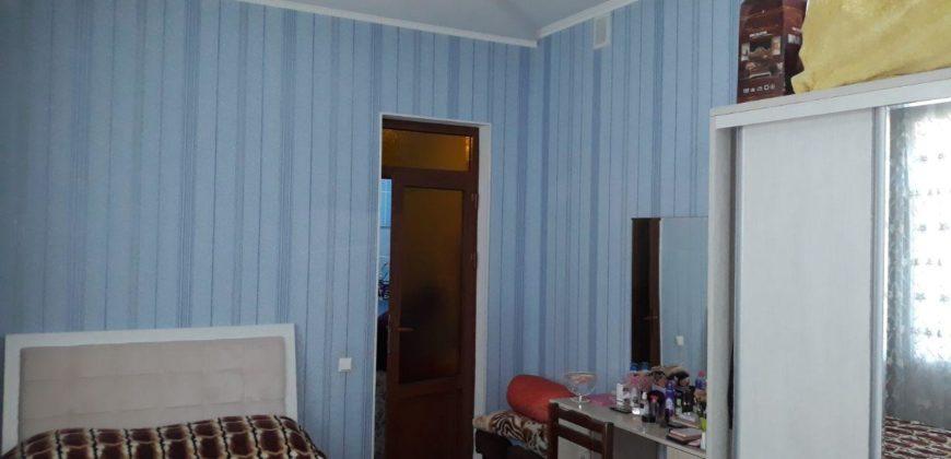 Дом около перекрестка Иззат недалеко от Кадышева